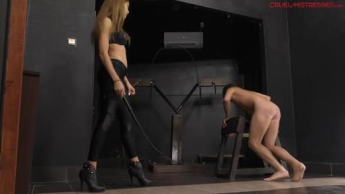 Mistress Lucy - Yelling With The Slave