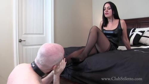 Lady Bellatrix - Manicure Pedicure Payback
