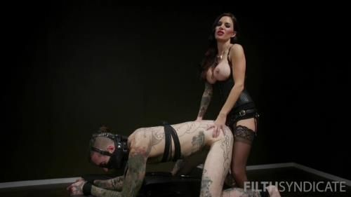 Gia Dimarcos Anal Slave