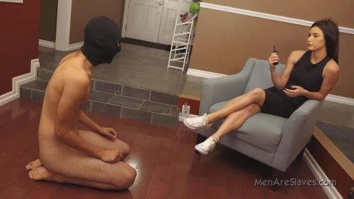 Goddess Nikki - Goddess Nikki Tries A New Pet, Part 1