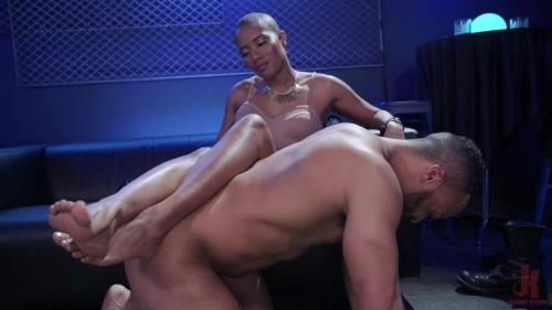 Jet Setting Jasmine, King Noire, Dillon Diaz - Club Cuck: Jet Setting Jasmine Humiliates Dillon Diaz At King Noires