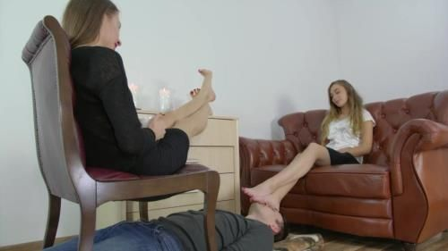 Larisa And Helena - In Foot Fetish Club