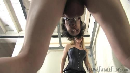 Ms Nikki - Nikkis Nuts For Busting