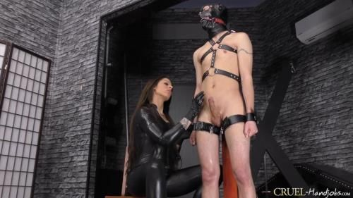 Mistress Cleo - Huge Squirting