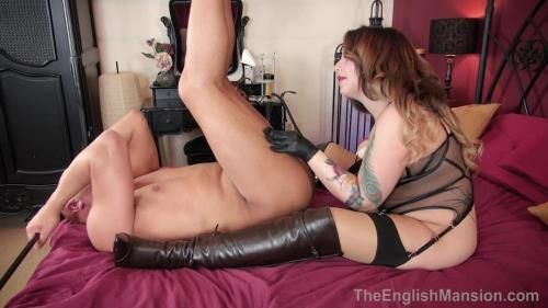 Miss Vivienne Hardy - Pleasuring A Young Domme - Complete Film
