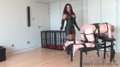 Mistress Ezada - Three Hundred
