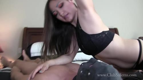 Miss Xi - How Do My Sweaty Ass, Feet, And Armpits Smell