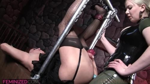 Lexi Sindel - Sexy Latex Clad Dominatrix Fucks Sissy With A Strapon