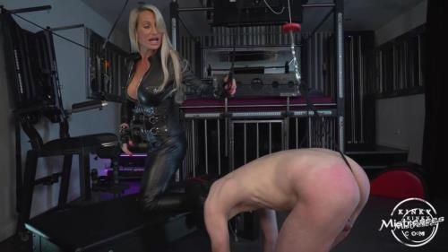 Calea Toxic - Cbt And Leather Worship