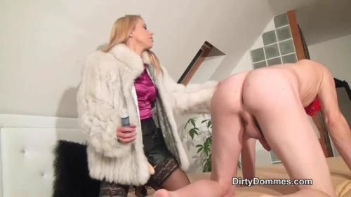 Strap-On Fucked By Princess Nikki