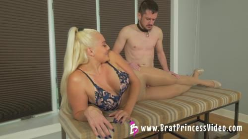 Macy - Smell My Ass Then Fuck My Pantyhose Beta