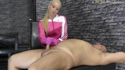 Mistress Ariel - Handjob In Joggings