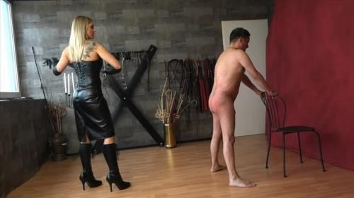 Lady Mystique - A Good Hard Flogging
