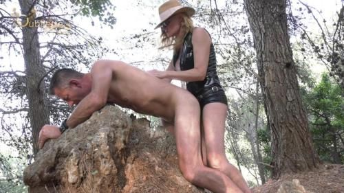 Mistress Paris - Pegging On The Rocks