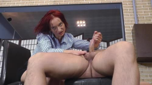 Mistress Clarissa - Huge Orgasm From The Mistresss Hands