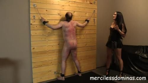 Mistress Chloe - Mistress Chloes Slave Whipped
