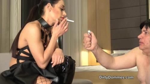 Miss Nomi - Degraded Ashtray Whore