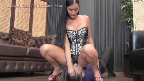 Dominatrix Aurora Sits Down On His Face