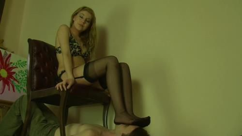 Nylon Woman Fetish Session