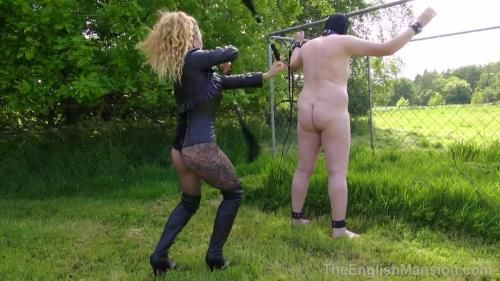 Miss Suzanna Maxwell - Two-Way Whipping - Part 1