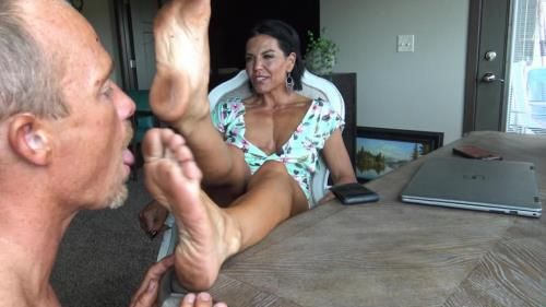 Foot Cuckys Favorite - Dirty Goddess Feet
