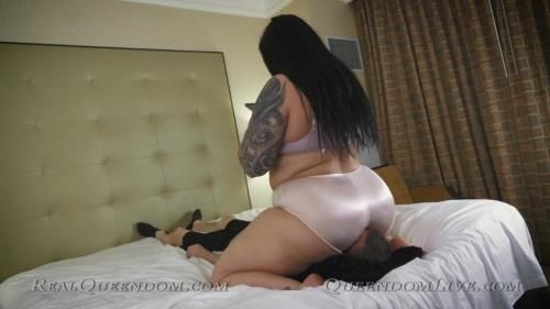 Mistress Kawaii - Crushed And Smothered By Kawaii