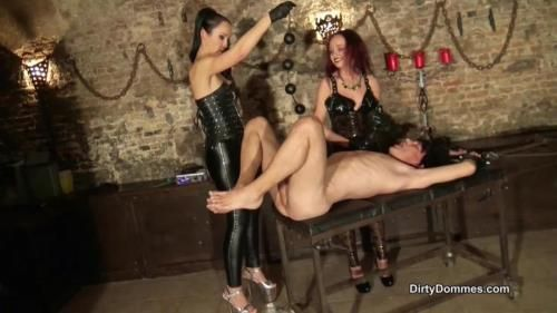 Fabiola Fatale, Fetish Liza - Anal Stretching In The Dungeon Part 2