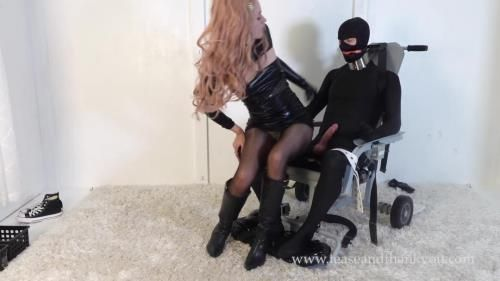 Emerald - Daddys Special Chair 2