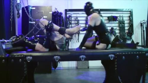 Cybill Troy - Elbow-Deep Rubber Fisting