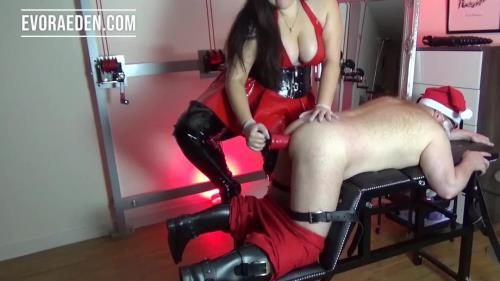 Evora Eden - The Queen Of Cocks Destroys Santas Ass